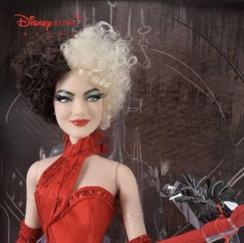 Disney Store Poupées Limited Edition 17'' (depuis 2009) - Page 23 05550310