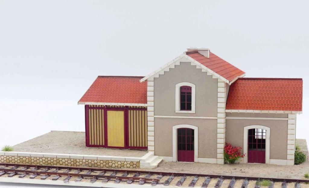 [Architecture & Passion] Une petite gare bien secondaire.. du sud de la Garonne P1020412