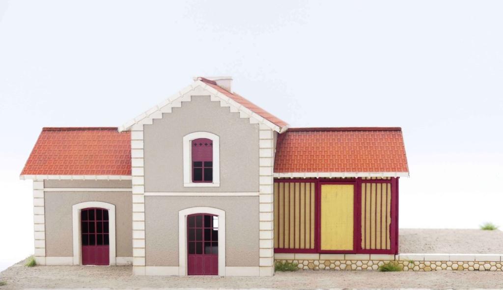 [Architecture & Passion] Une petite gare bien secondaire.. du sud de la Garonne P1020413