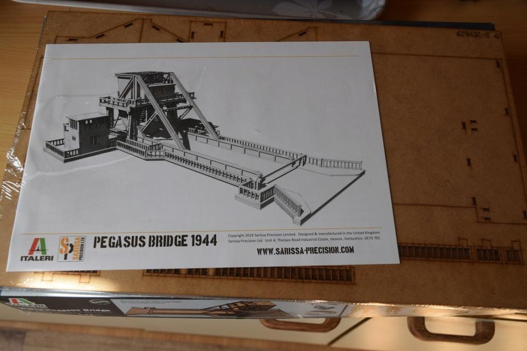 « PEGASUS BRIDGE au 1/72 » ITALERI -   [ FINI ] 115
