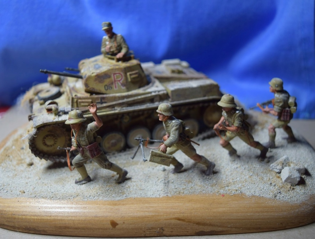 Fil rouge 2021 * Panzer Kampfwagen II Ausf. F/ G au 1/35 - TAMIYA - 1971 - *** Terminé en pg 3 - Page 3 Dfr610