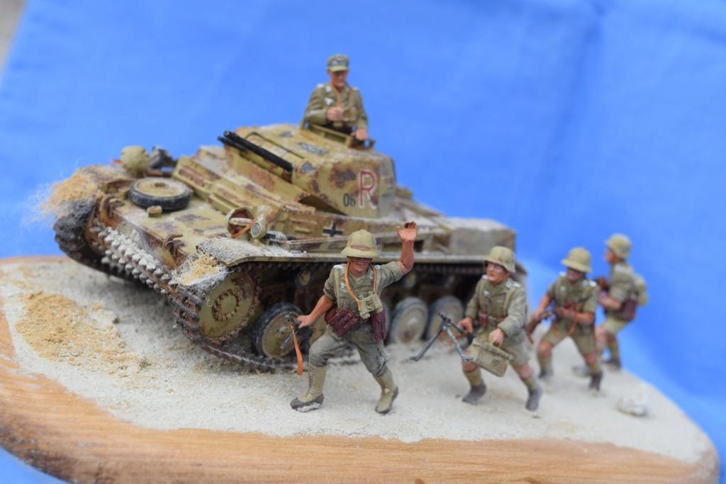 Fil rouge 2021 * Panzer Kampfwagen II Ausf. F/ G au 1/35 - TAMIYA - 1971 - *** Terminé en pg 3 - Page 3 Dfr910