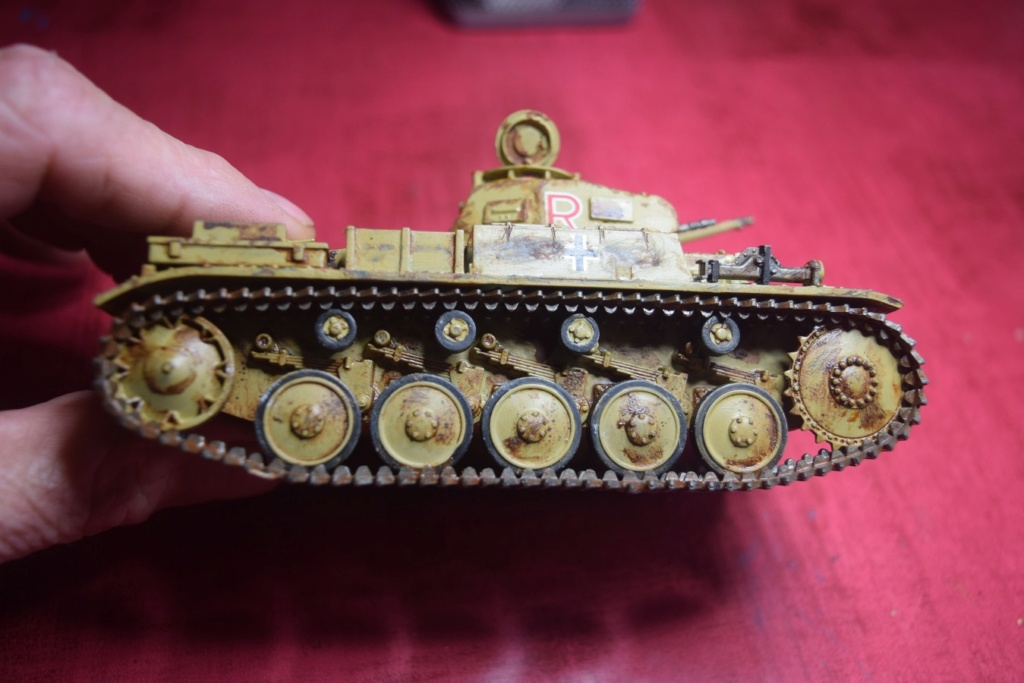 Fil rouge 2021 * Panzer Kampfwagen II Ausf. F/ G au 1/35 - TAMIYA - 1971 - *** Terminé en pg 3 - Page 3 Fr2810