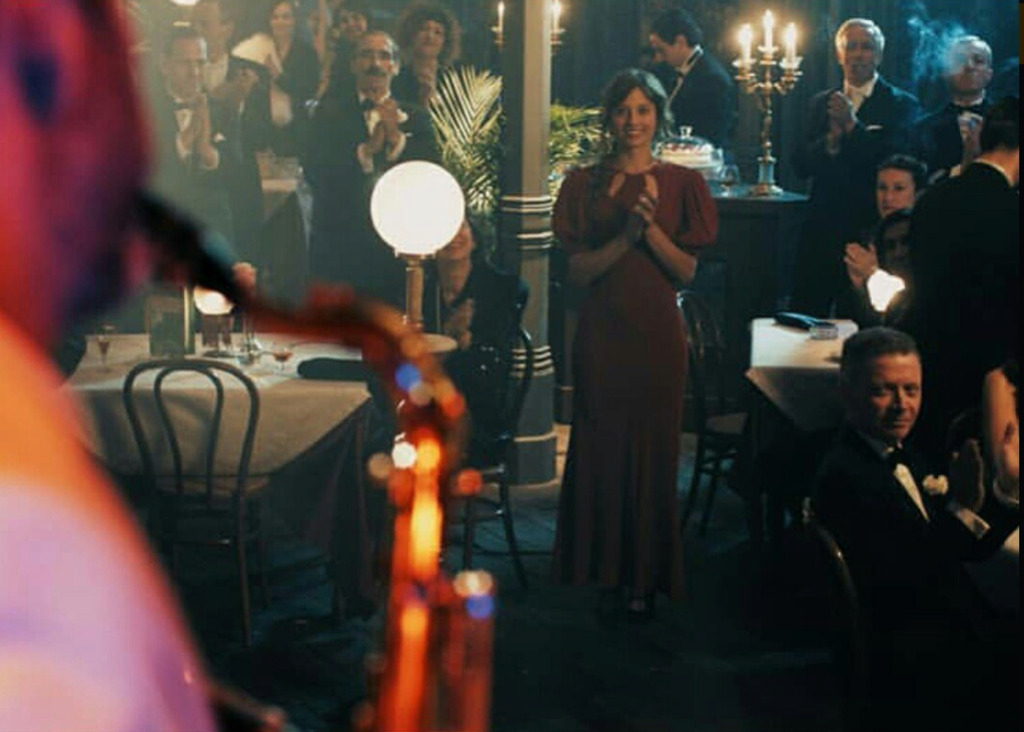 El Continental (2018) Screen15
