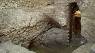 archéologie du christ - Page 3 Maison10