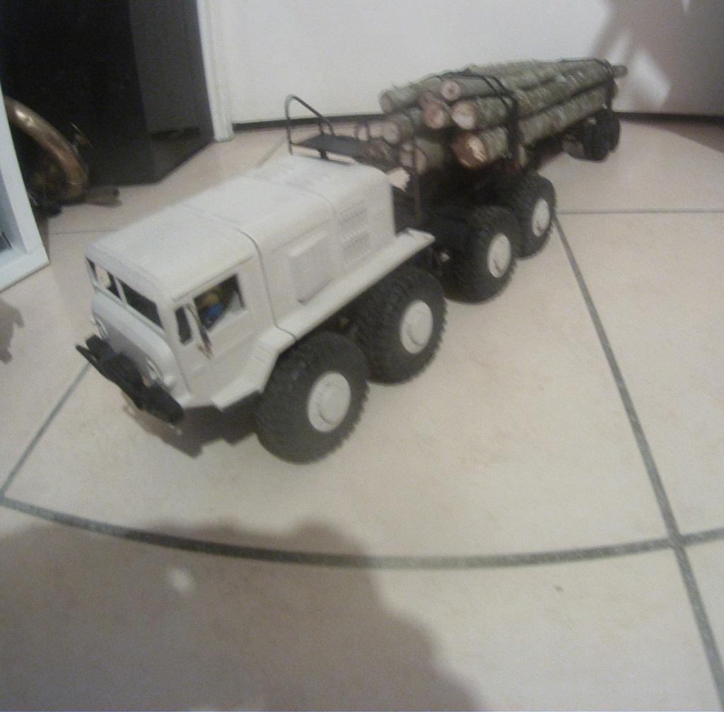 MAZ 535G FTX Outback 1:24 Gopr5117