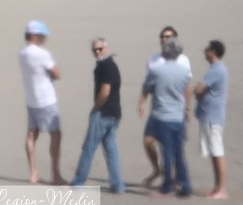 Celebrating George Clooney's birthday: Amal Clooney in Malibu with Cindy Crawford Cloone12