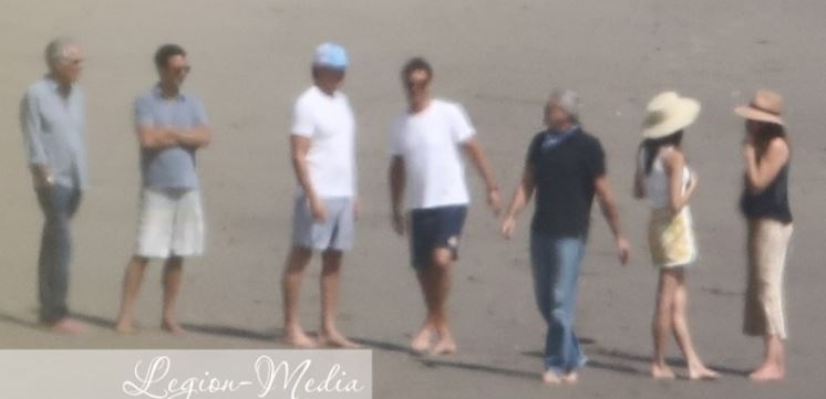 Celebrating George Clooney's birthday: Amal Clooney in Malibu with Cindy Crawford Cloone15