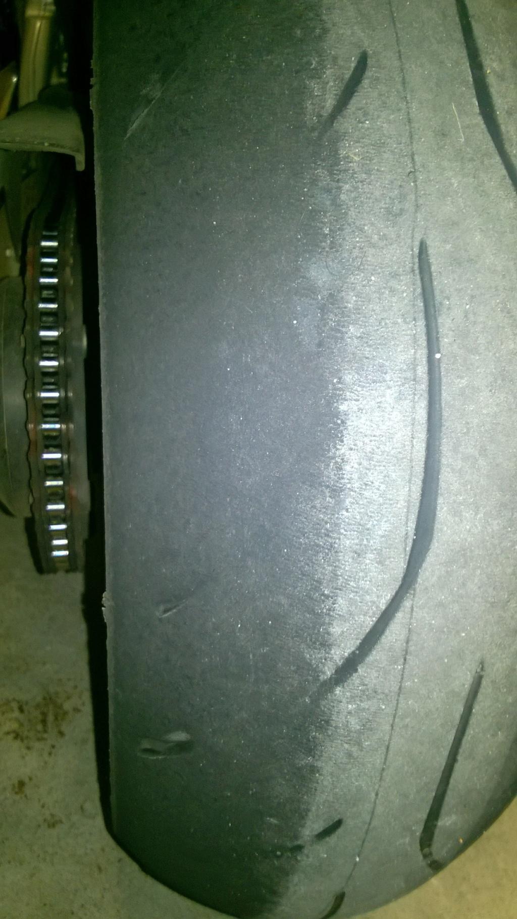 V comme Roadsmart... ? (sujet pneus, débat hardcore, âmes sensibles s'abstenir) Wp_20111