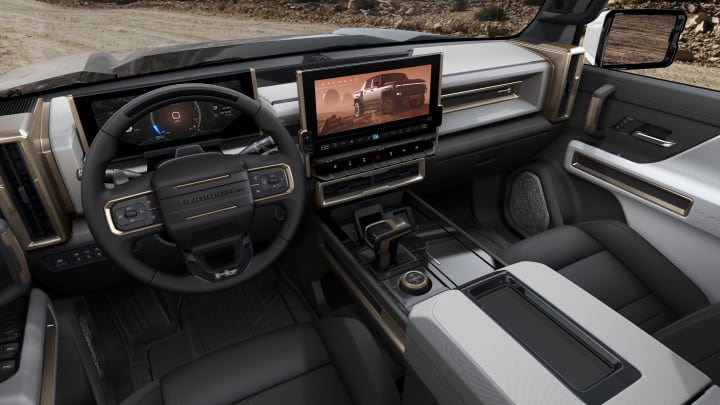 Voilà le nouveau Hummer est arrivé ; GM dévoile le Hummer EV en tant que `` premier supertruck au monde '' pour 112600 $ à partir de 2021 10675310