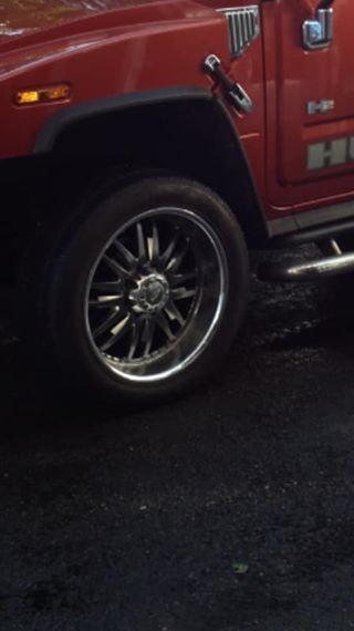 4 jantes/pneus 345/50/22 , paire marche-pieds chrome et 6 éme siège pour Hummer H2 47400410