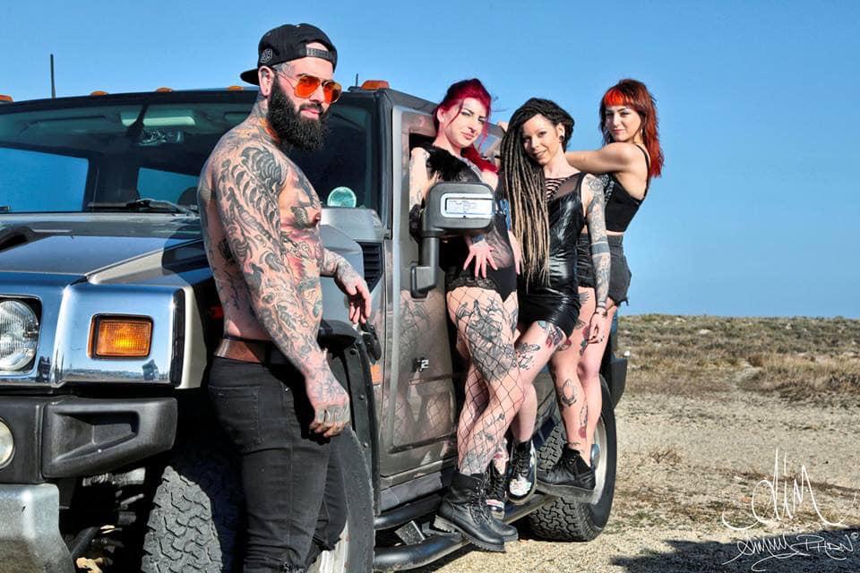 Hummer H2 Tattoouge & Urban au Salon du tatouage et salon de la moto de Perpignan du 24 mai au 26 mai 2019 au  parc des expositions de Perpignan 53038010