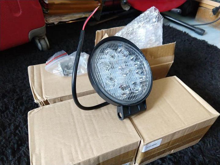 4 feux LED 27W 1400lm 12 cm de diamètre et 4 cm de profondeur 58079810