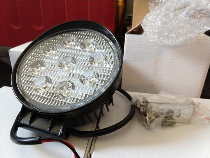 4 feux LED 42W 3300lm  12 cm de diamètre et 7cm de profondeur 58994510