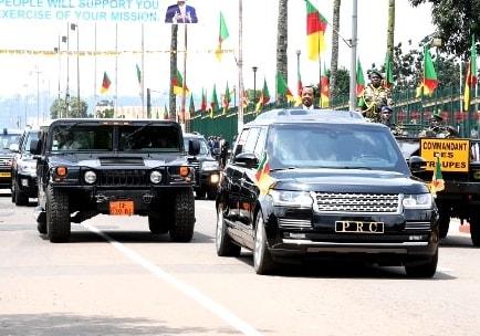 La PRESIDENTIAL GUARD du  CAMEROON en Hummer H1 & H2 95466210