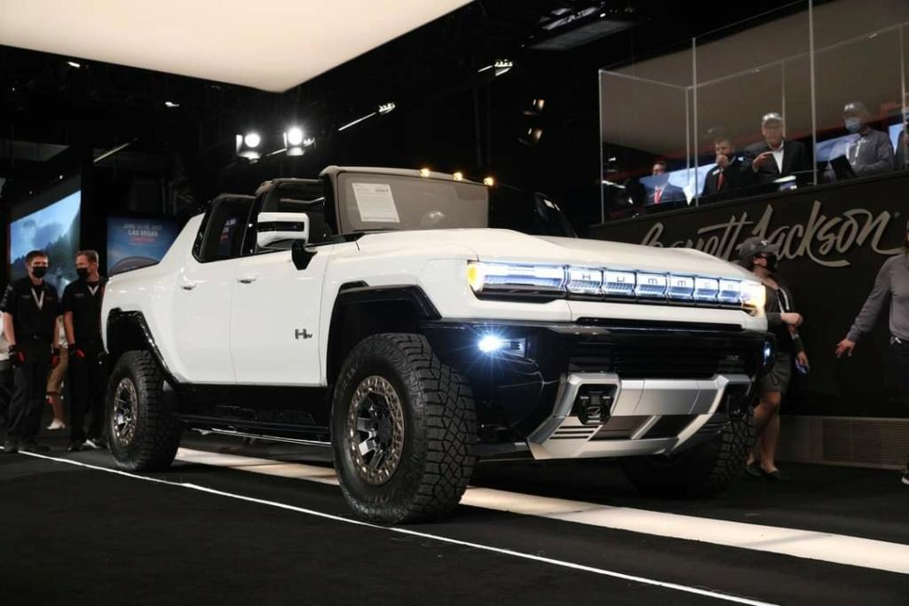 Voilà le nouveau Hummer est arrivé ; GM dévoile le Hummer EV en tant que `` premier supertruck au monde '' pour 112600 $ à partir de 2021 - Page 4 Fb_img57