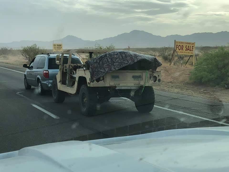 Towing with a Chrysler mini van ==> Remorquage d'un humvee avec une la mini-fourgonnette de chez Chrysler Fb_img74
