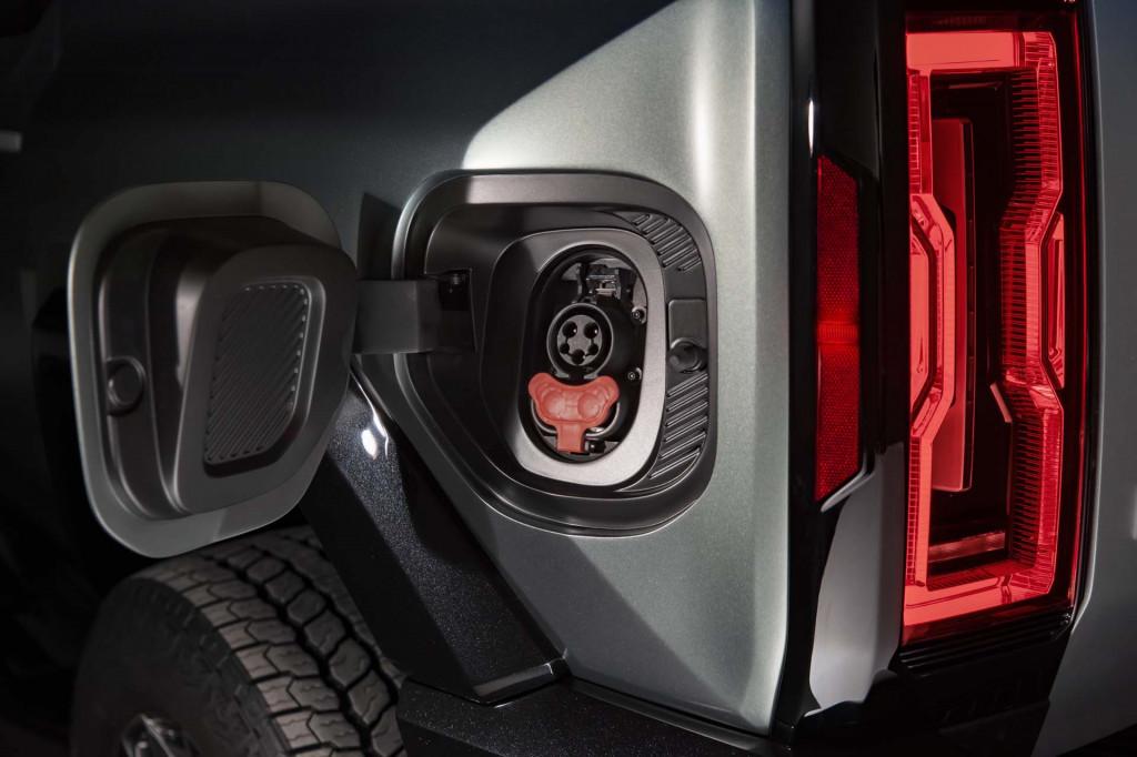 Voilà le nouveau Hummer est arrivé ; GM dévoile le Hummer EV en tant que `` premier supertruck au monde '' pour 112600 $ à partir de 2021 - Page 5 Gmc-hu13