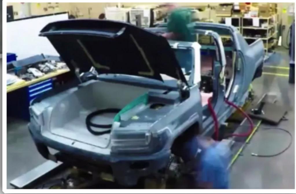 Le nouveau Hummer va bientôt être présenté ???? Img_2014
