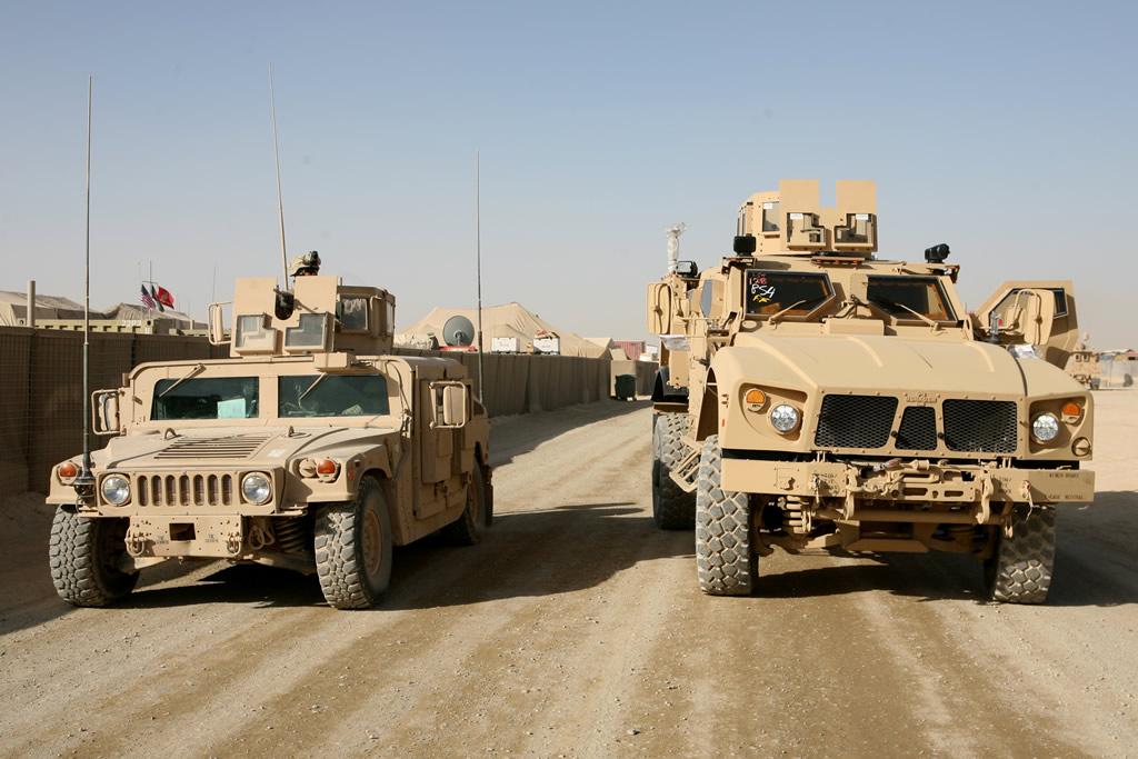 Humvee ou Oshkosh JLTV ? Land_m10