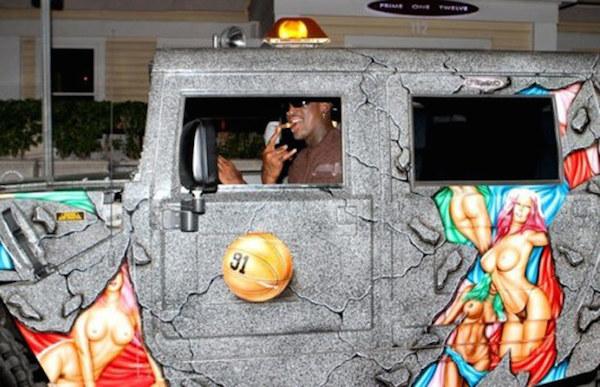 Qui veut du curieux Hummer de Dennis Rodman ? Nba-de10