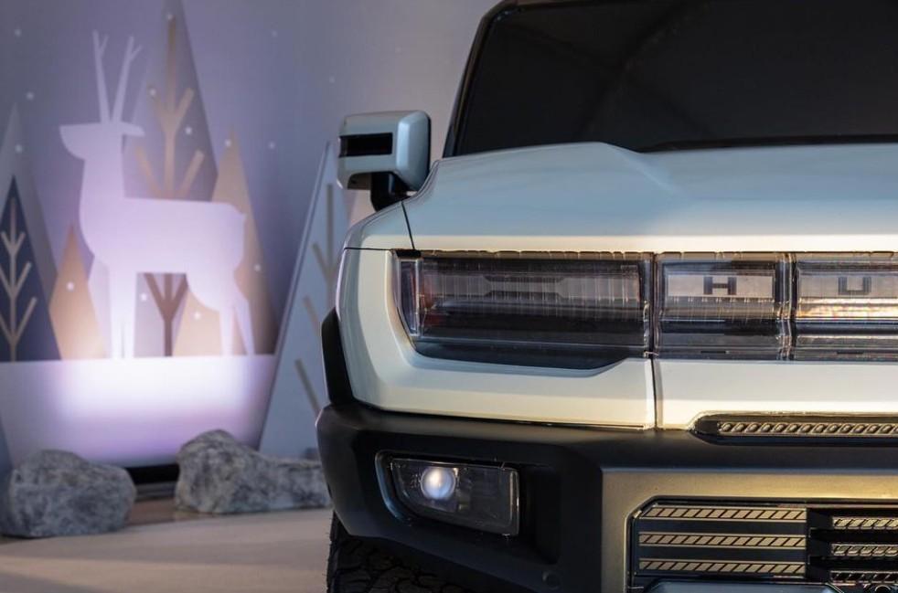 Voilà le nouveau Hummer est arrivé ; GM dévoile le Hummer EV en tant que `` premier supertruck au monde '' pour 112600 $ à partir de 2021 - Page 3 Offici10