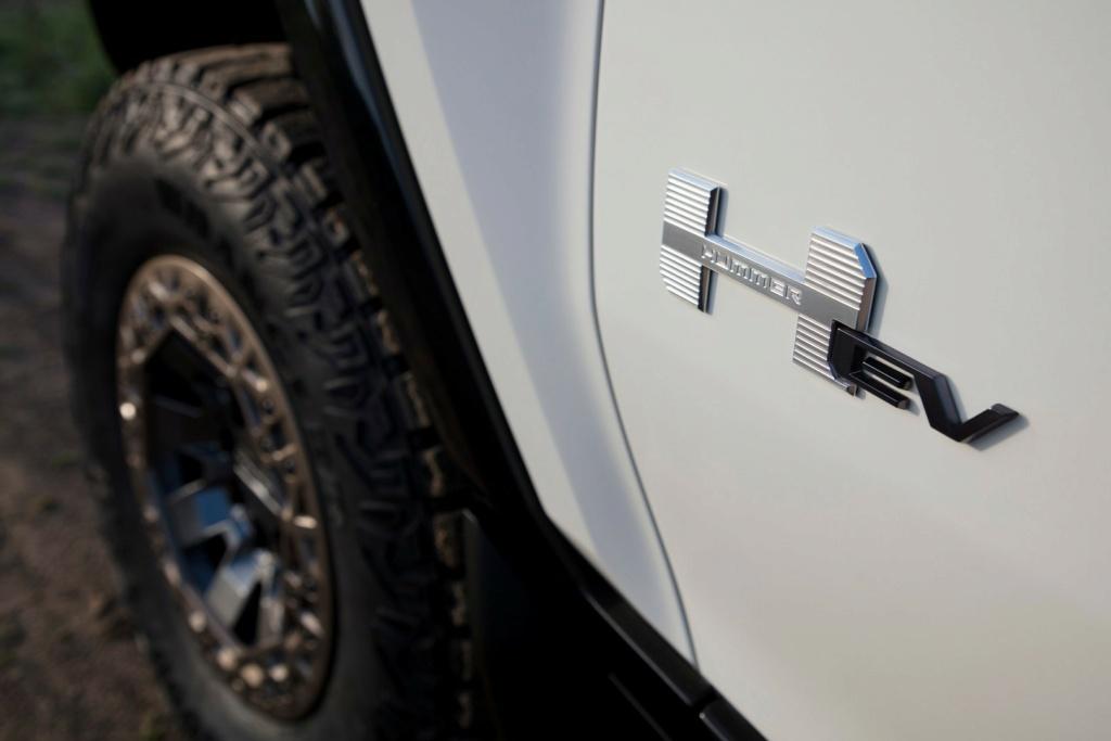 Voilà le nouveau Hummer est arrivé ; GM dévoile le Hummer EV en tant que `` premier supertruck au monde '' pour 112600 $ à partir de 2021 - Page 3 Offici14