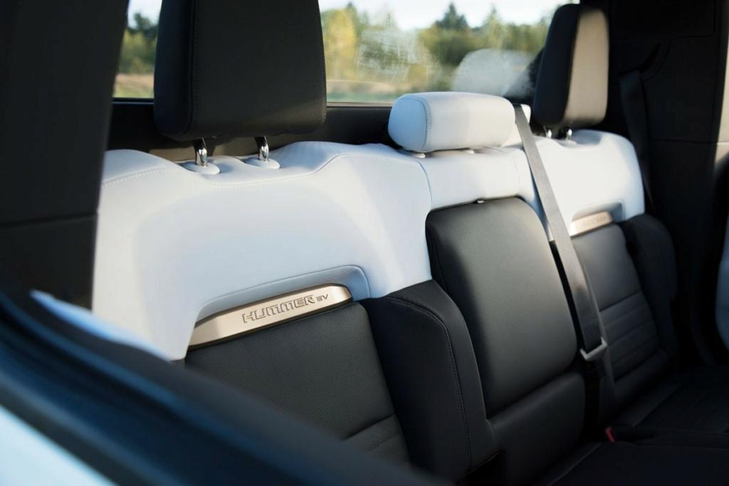Voilà le nouveau Hummer est arrivé ; GM dévoile le Hummer EV en tant que `` premier supertruck au monde '' pour 112600 $ à partir de 2021 - Page 3 Offici17