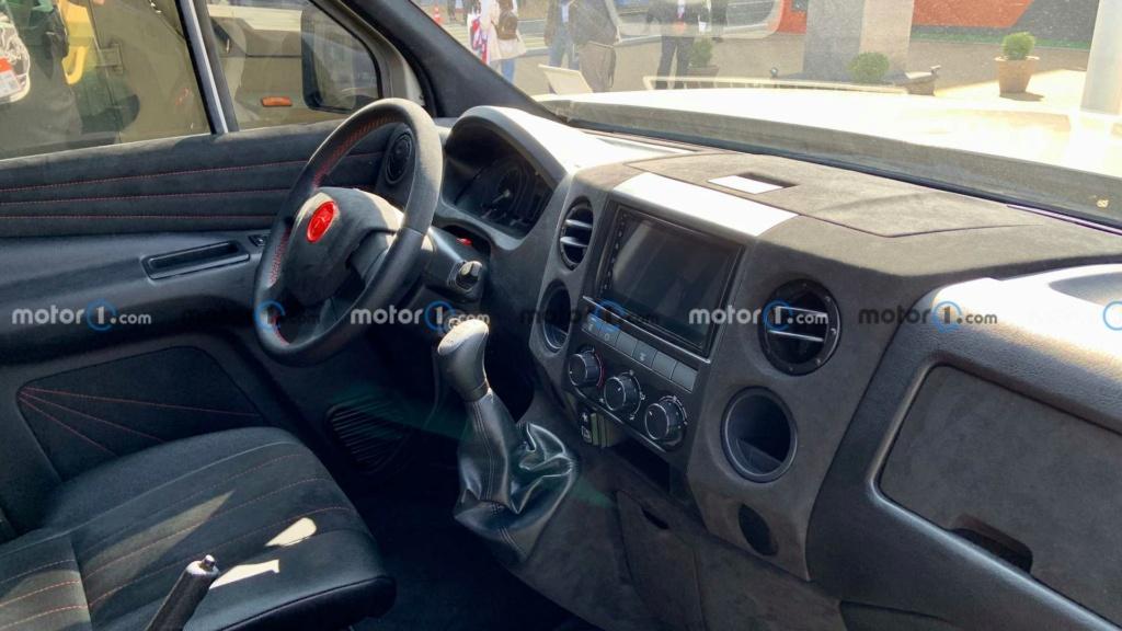 Le Strela, le Hummer en version russe Vnedor11