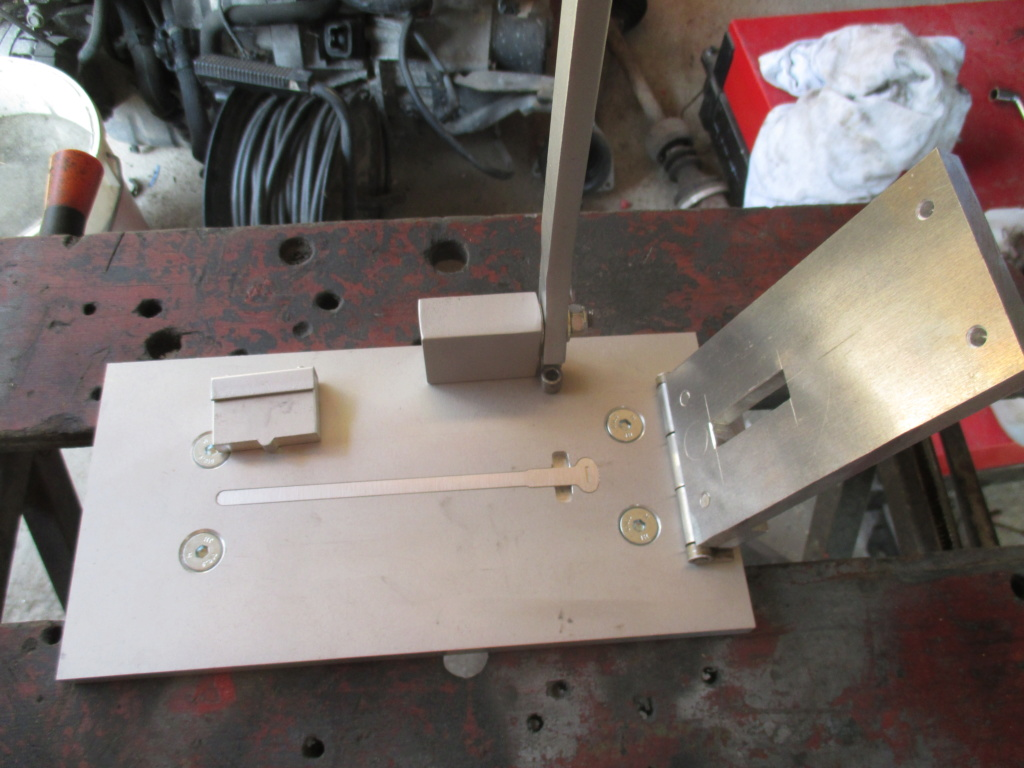 fabrication d'attache gaine Img_4012