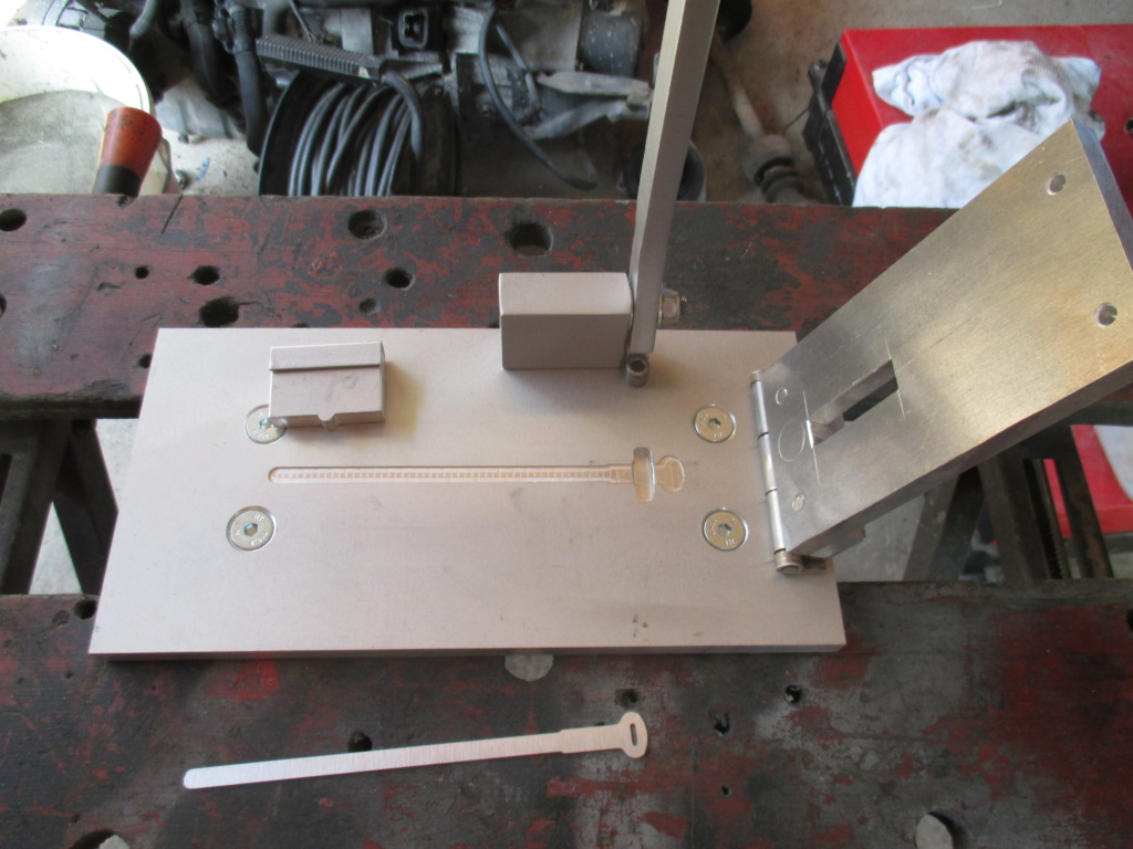 fabrication d'attache gaine Img_4013