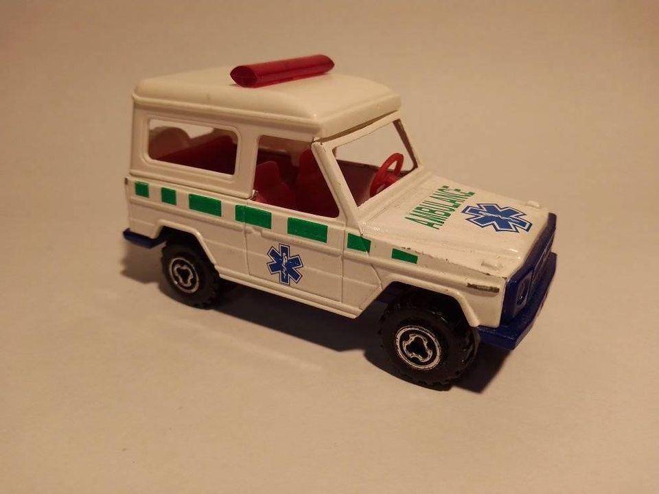 N°7101 Ambulance.  11850110