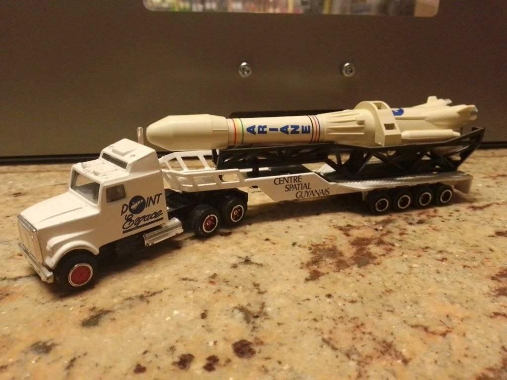 N°610 White Transport Fusée   14502510
