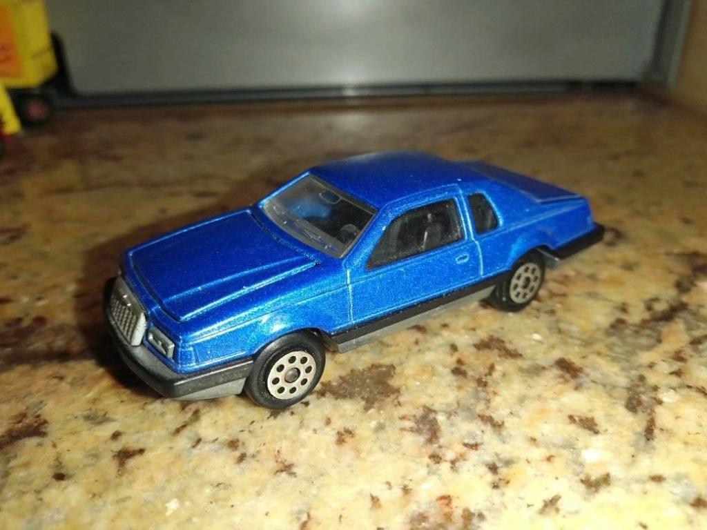 N°217 ford thunderbird 19466710
