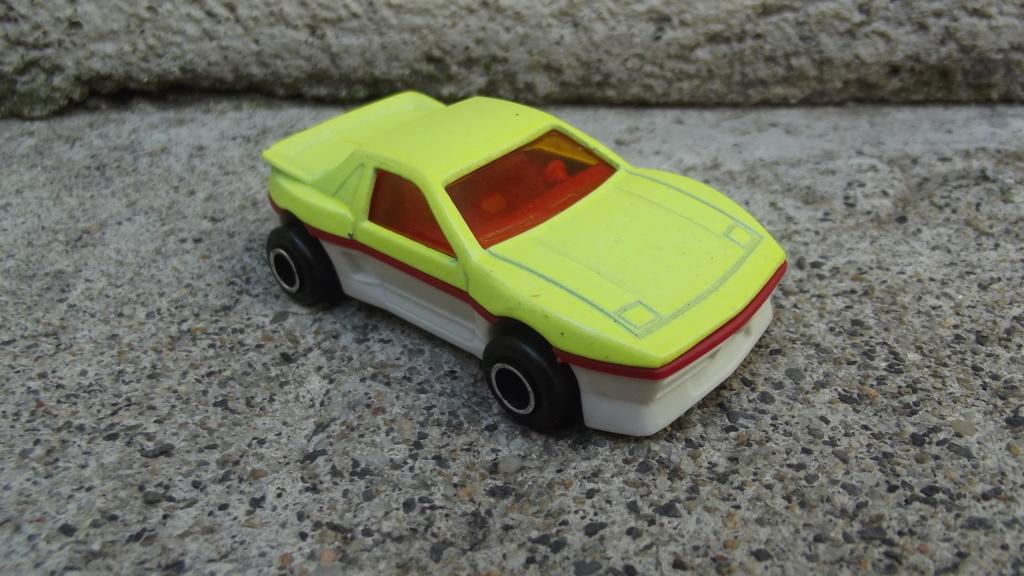 N°206 Pontiac Fiero Dscf3751