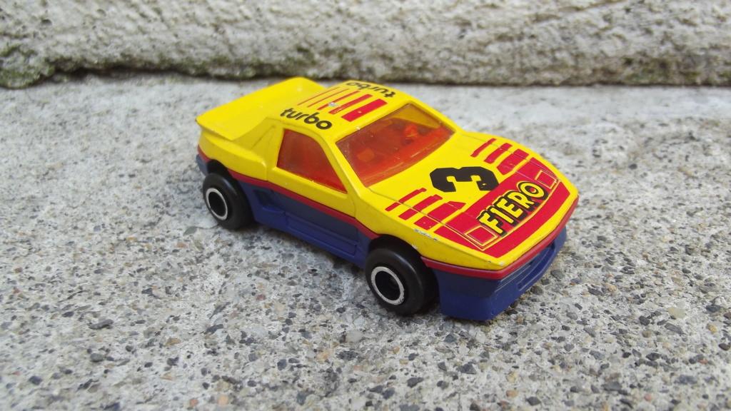 N°206 Pontiac Fiero Dscf3753