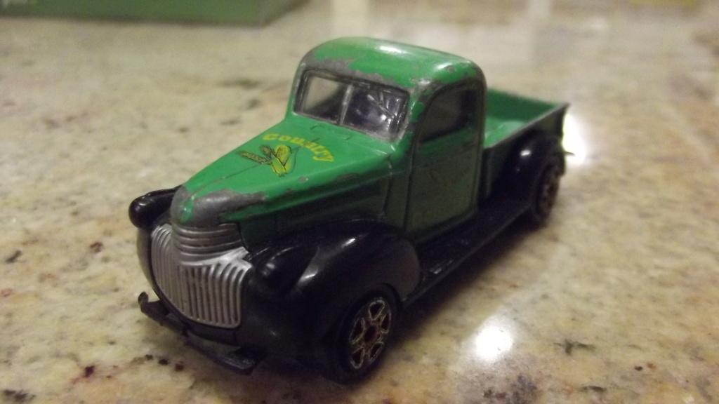 N°217 b-c-d Chevrolet 1946. Dscf4111