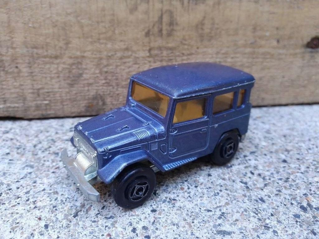 N°277 Toyota Land Cruiser 4X4 - Page 2 Toyata10