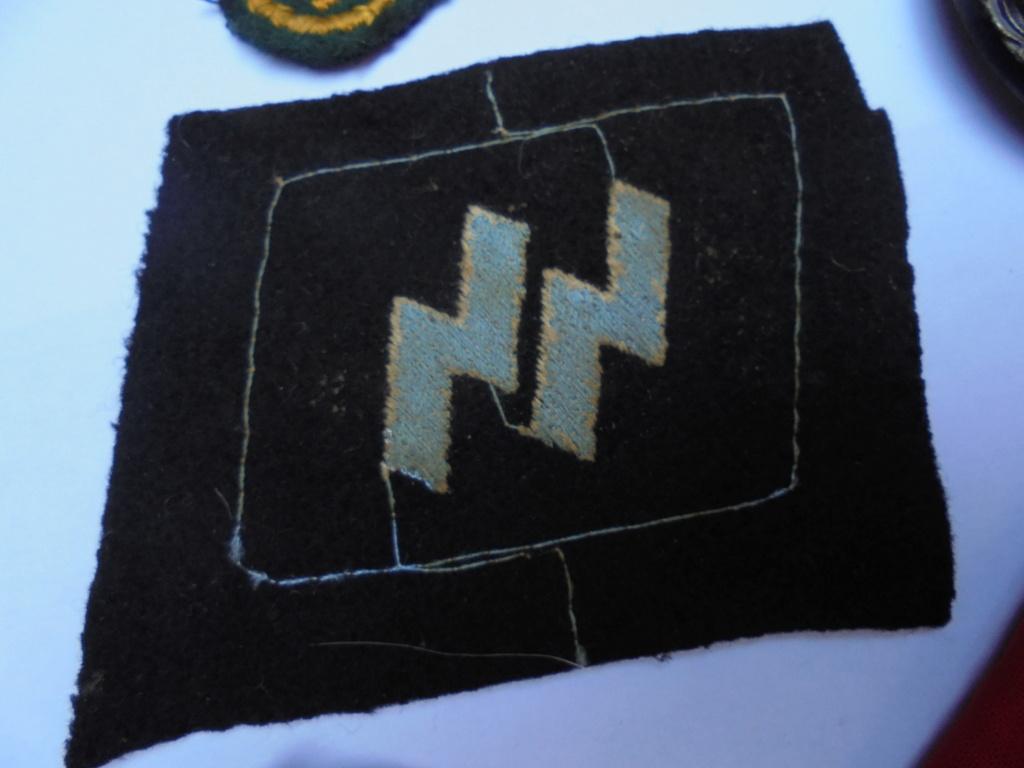 coin de col ss / divers insignes allemand a identifier merci  Dsc07733