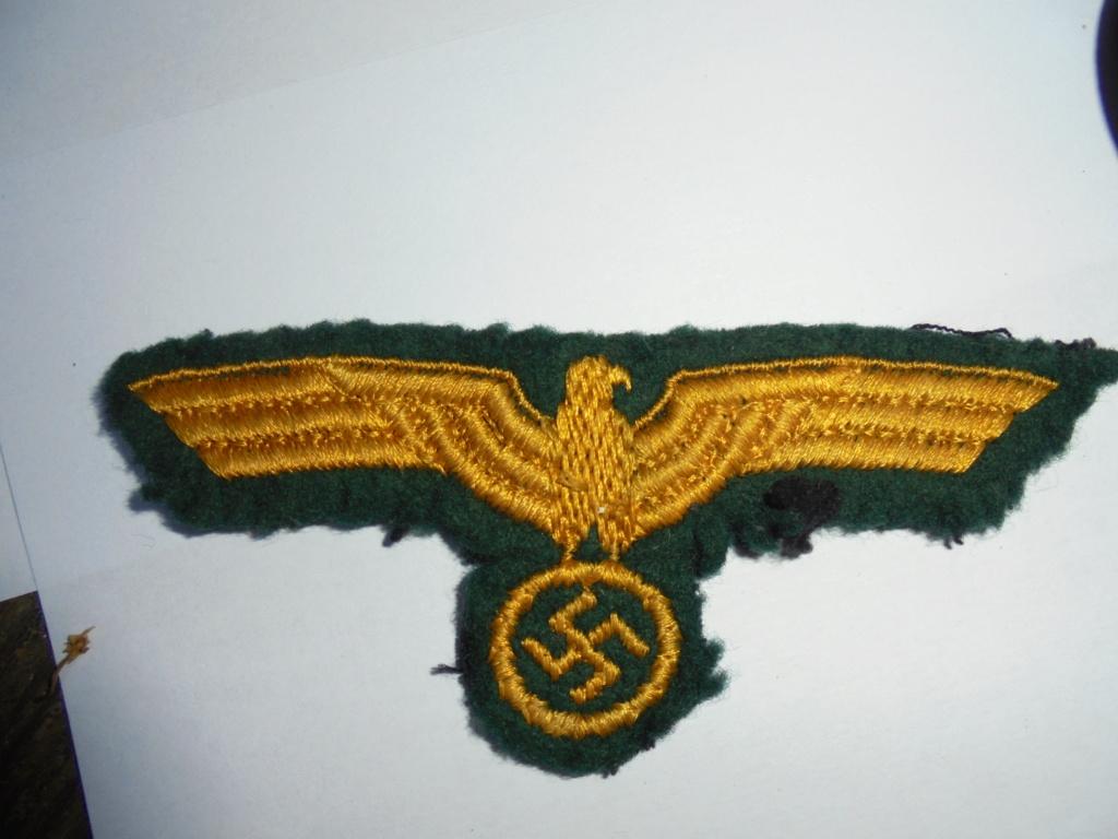coin de col ss / divers insignes allemand a identifier merci  Dsc07735