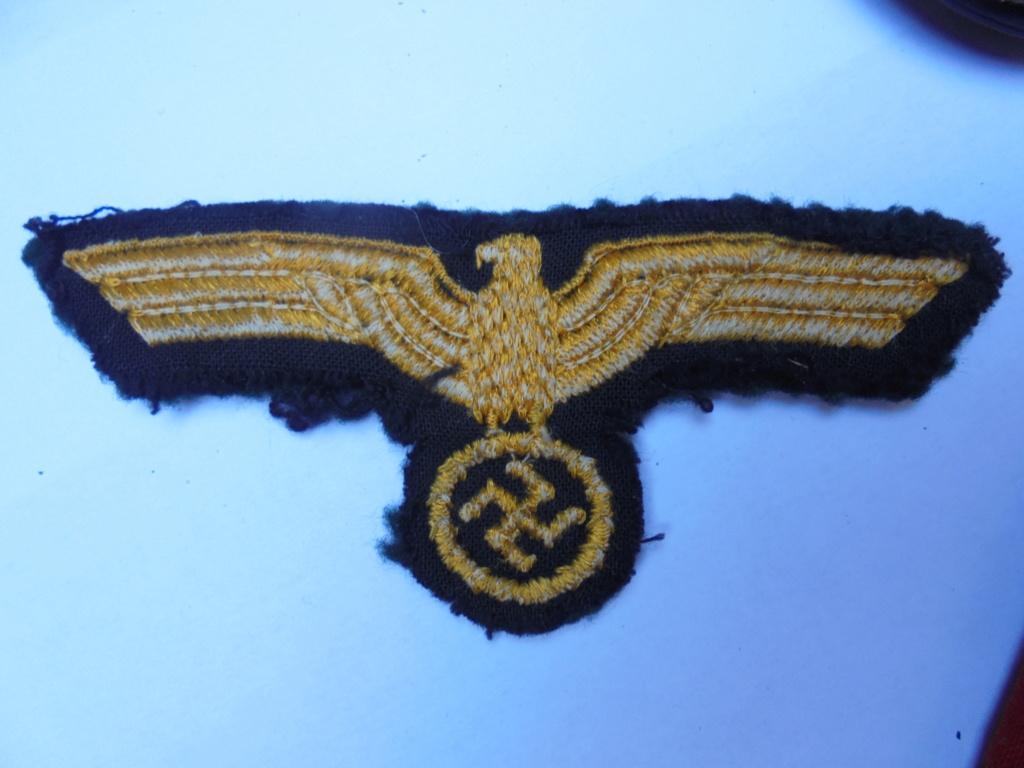 coin de col ss / divers insignes allemand a identifier merci  Dsc07736