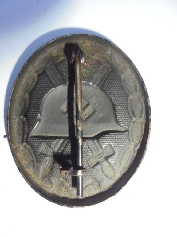 coin de col ss / divers insignes allemand a identifier merci  Dsc07740