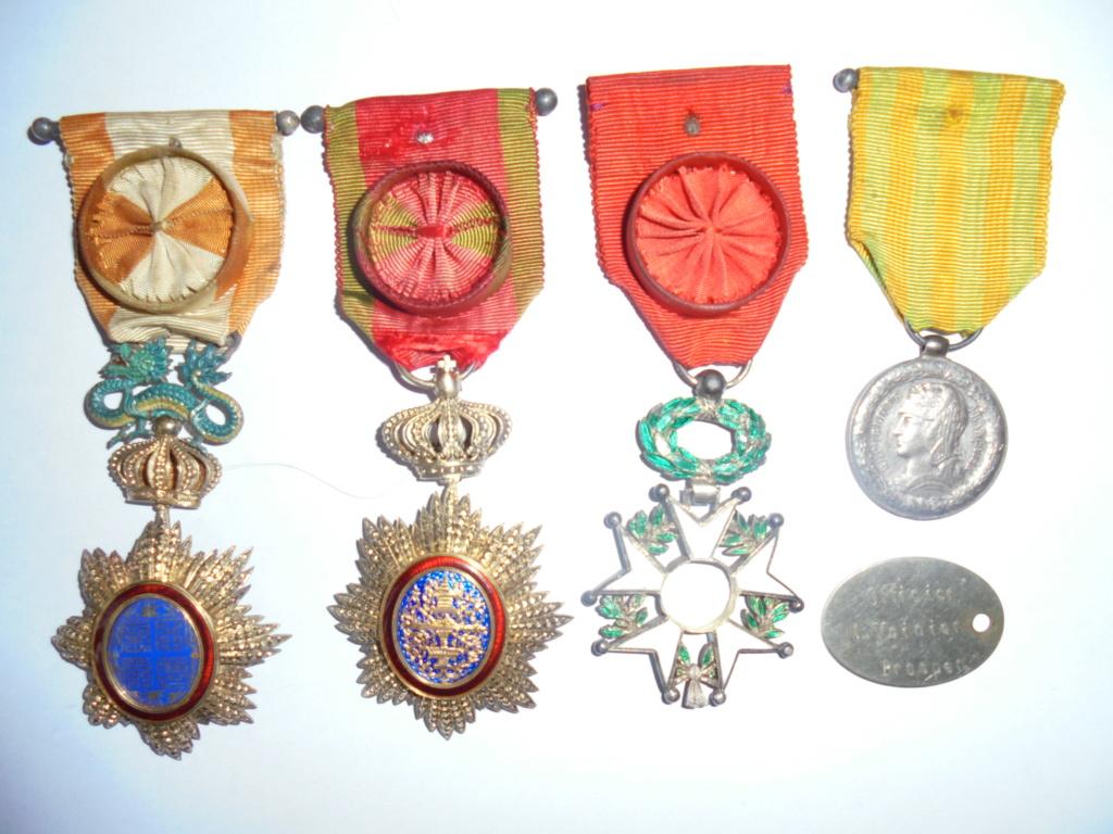 les medailles indochine de l officier voinier 1848 Dsc08413