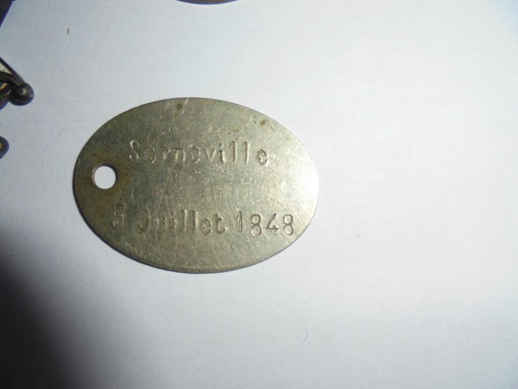 les medailles indochine de l officier voinier 1848 Dsc08415