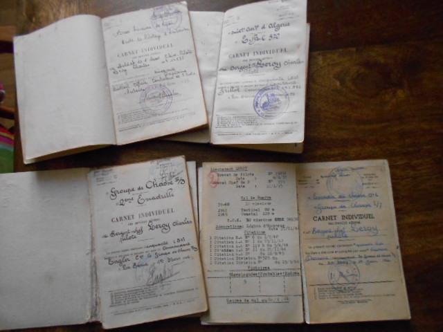 4 carnets vol 1937/46 d un as de l aviation francaise  Dscn1810