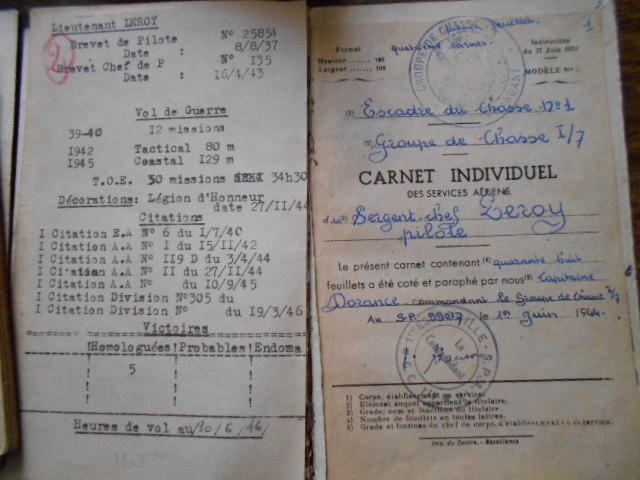 4 carnets vol 1937/46 d un as de l aviation francaise  Dscn1812