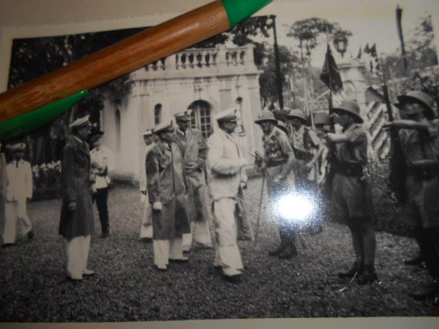 3 albums photos 1942 /43 resident supeieur au tonkin sous vichy Dscn6820