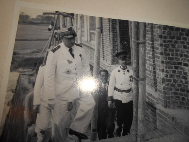 3 albums photos 1942 /43 resident supeieur au tonkin sous vichy Dscn6822