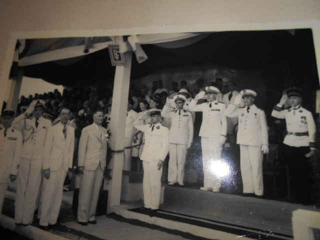 3 albums photos 1942 /43 resident supeieur au tonkin sous vichy Dscn6824