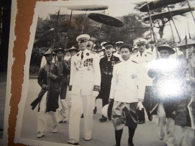 3 albums photos 1942 /43 resident supeieur au tonkin sous vichy Dscn6826